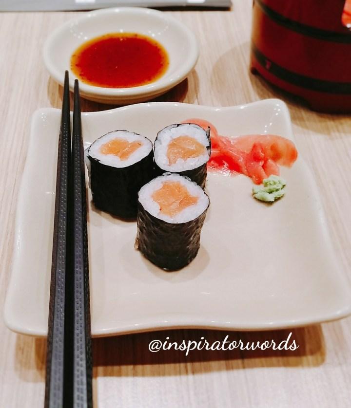 salmon maki sushi tei