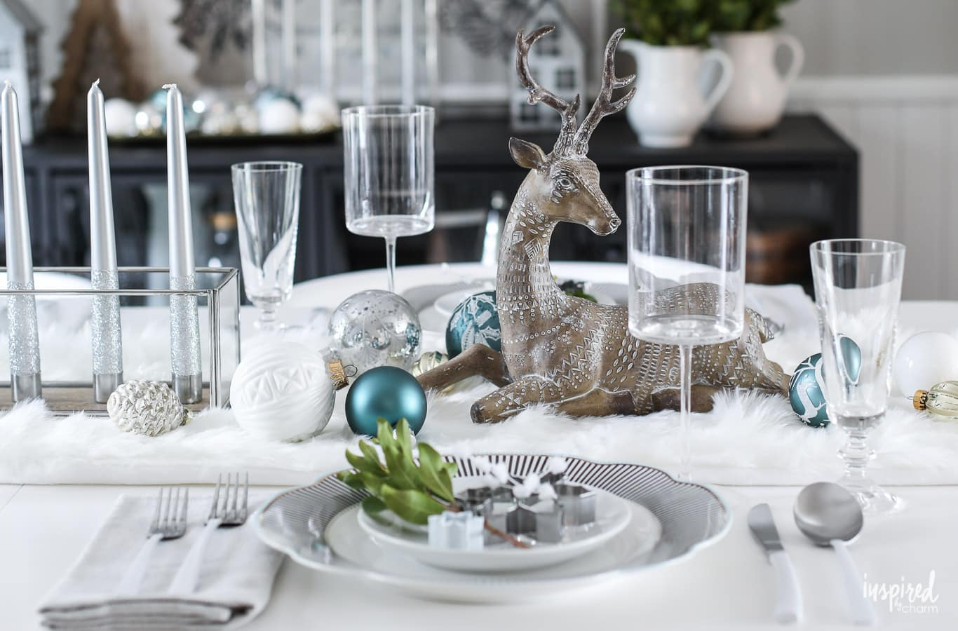 Table Decor And More Festive Christmas Table Decor Ideas Holiday Decorating Tips