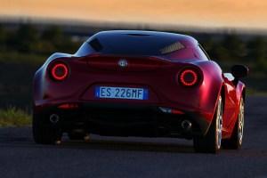 Alfa-Romeo-4C_Carscoops15[2]