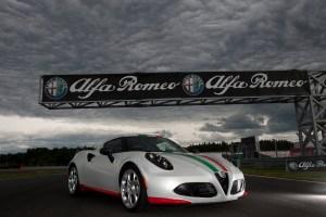 Alfa-Romeo-4C_Carscoops47[2]