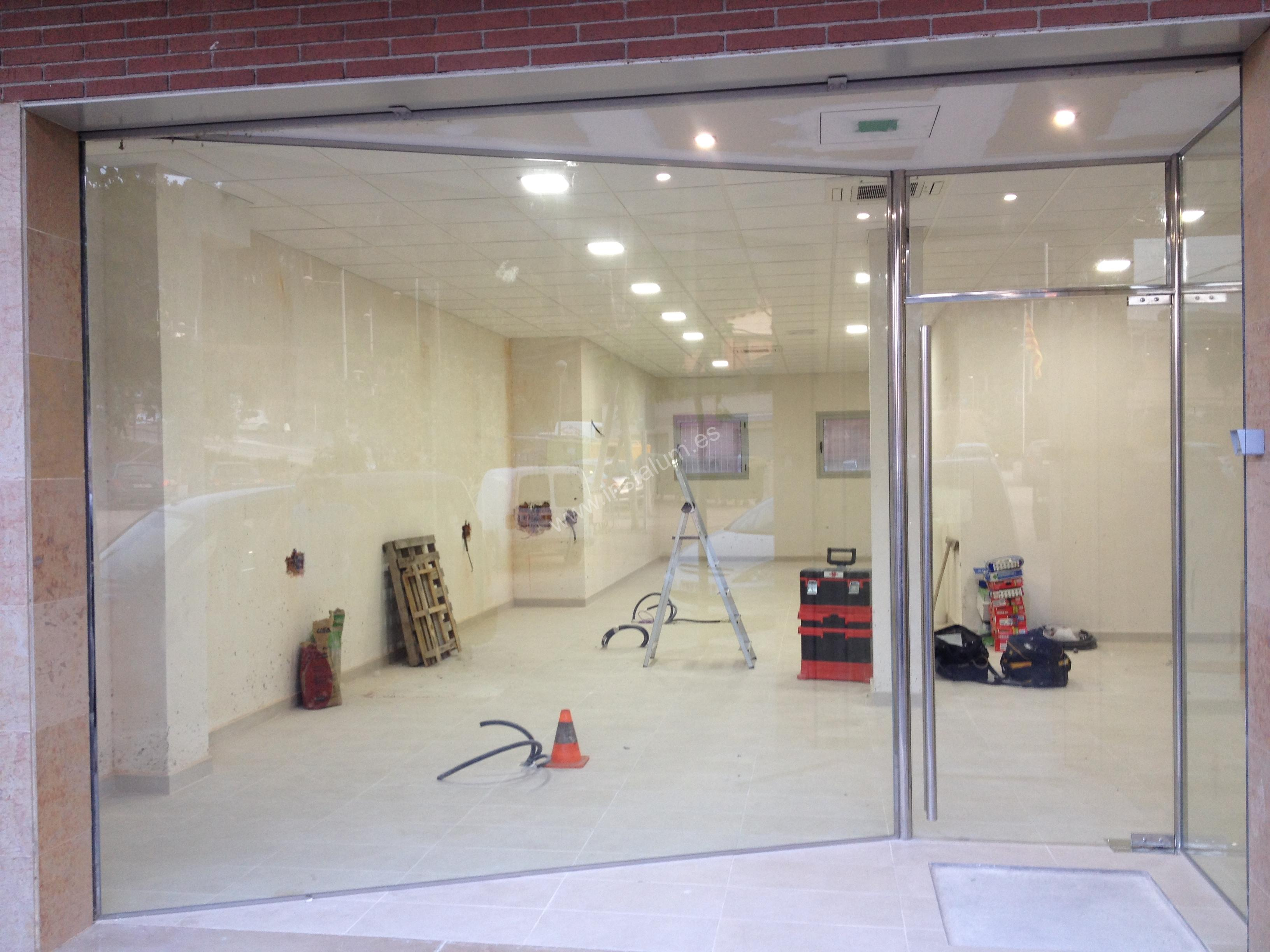Cortinas Cristal Escaparate Y Puerta Vidur Local Comercial | Carpinteria De