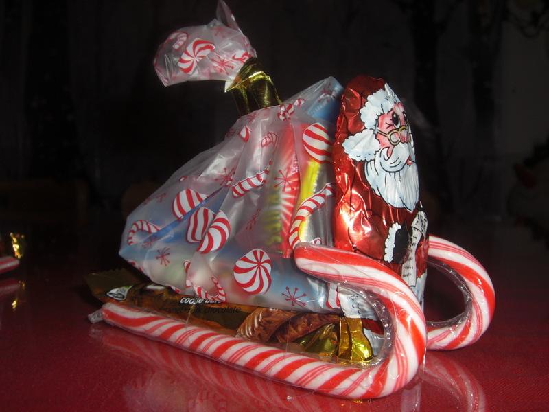 Santa's-Candy-Sleigh-intelligentdomestications.com