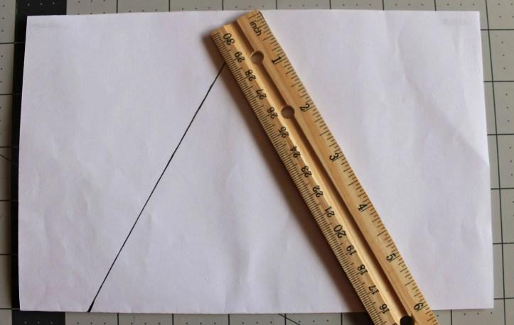 How to make a DIY Banner easy pattern.www.intelligentdomestications.com