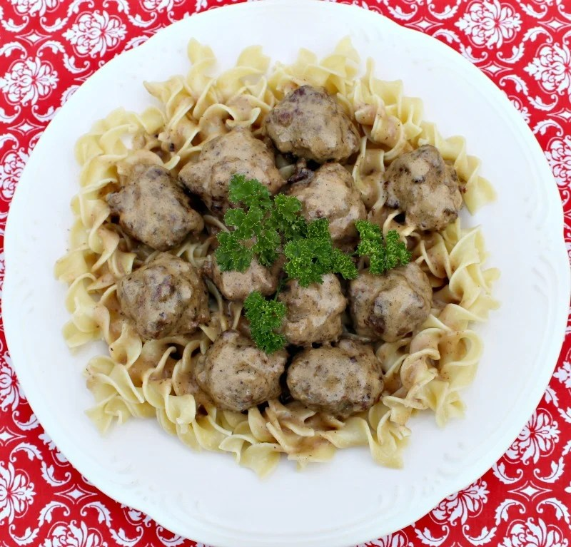 Swedish Meatballs recipe with only 6 ingredients and packed with flavor. This recipe freezes well so you can prepare in advance.