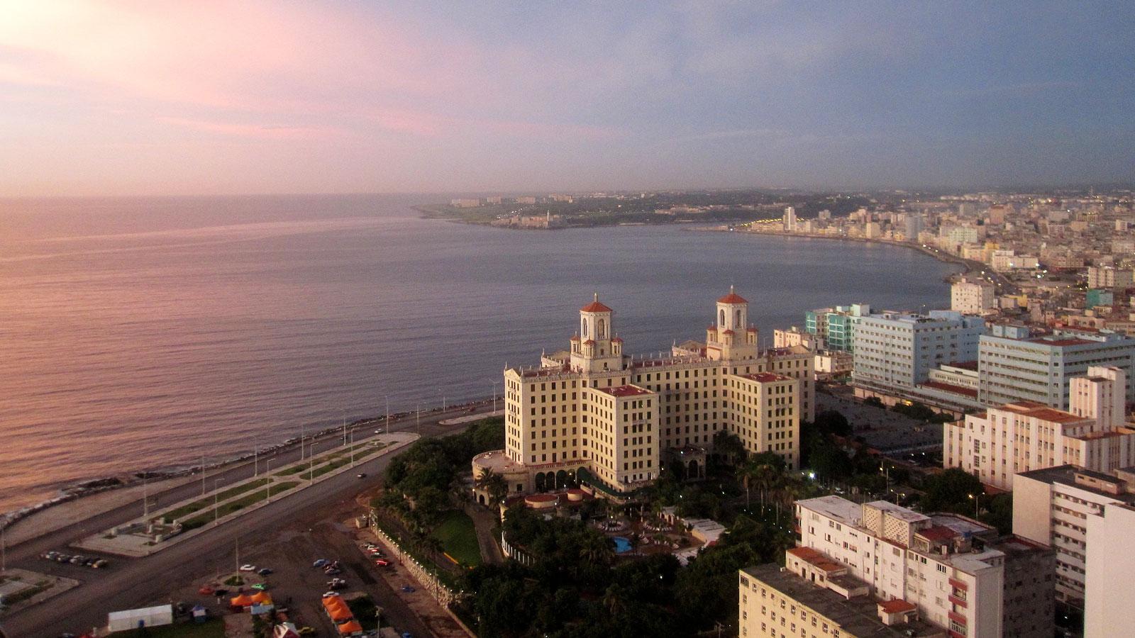 Wallpaper Sunset 3d Weekend In Havana With Geoffrey Baer Wttw Chicago