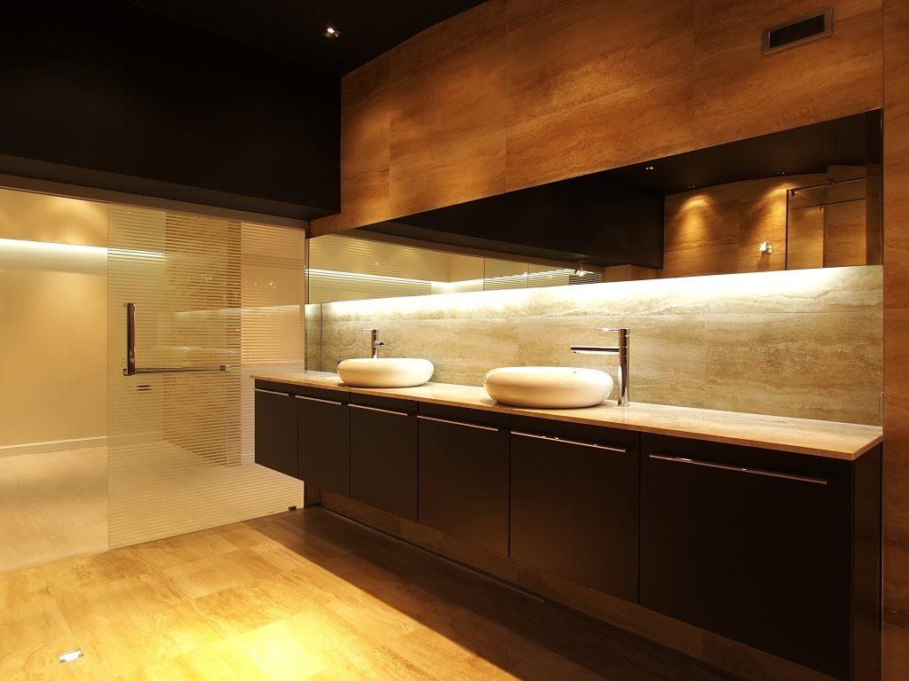 Verlichting badkamer ideeen ledstrip verlichting nieuw led