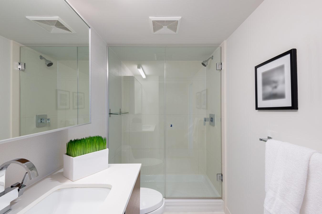 Badkamer Factory Tips : Sanitair badkamer glas klassieke badkamer groningen rvs kranen