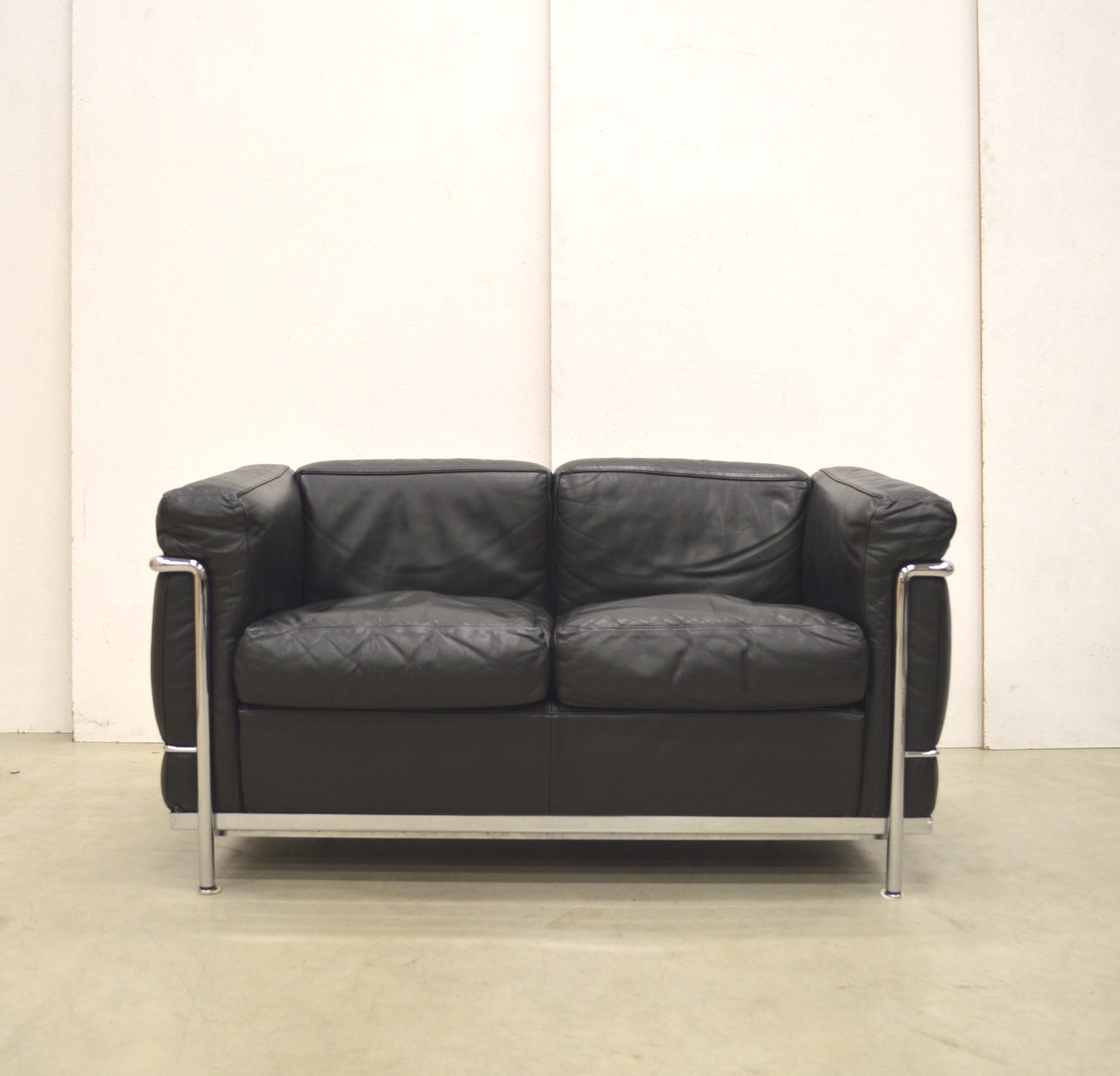 Lc2 Sessel Gebraucht Cassina Lc2 Sofa By Le Corbusier Interior Aksel