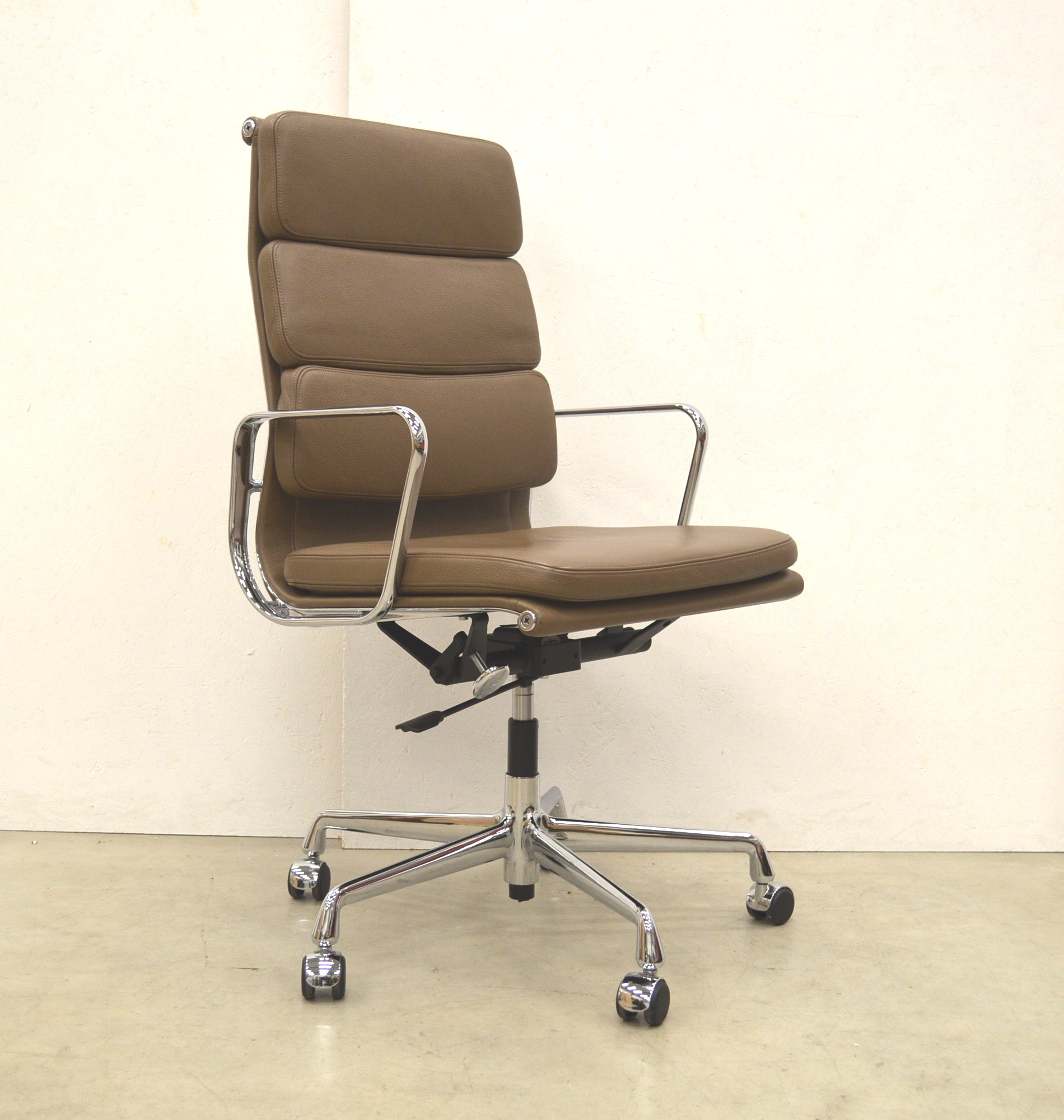 Bürostuhl Aachen Vitra Ea219 Soft Pad Office Chair Cigare Brown Leather Interior