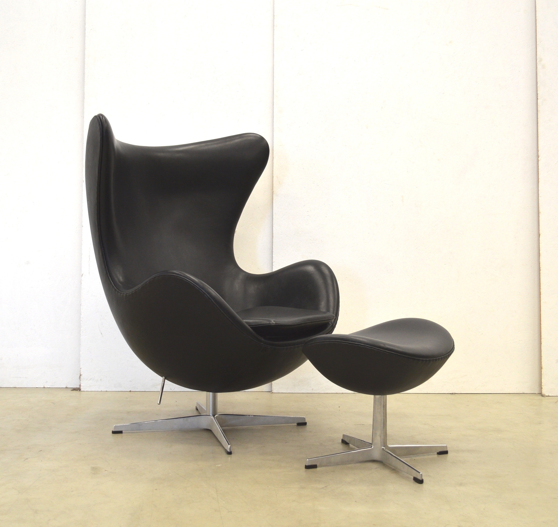Das Ei Sessel Arne Jacobsen Egg Chair Leder Fritz Hansen Egg Chair In Leder Chocolate
