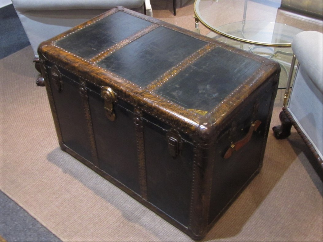Danish Furniture St Louis A Murphys Of St Louis Steamer Trunk Interior Boutiques