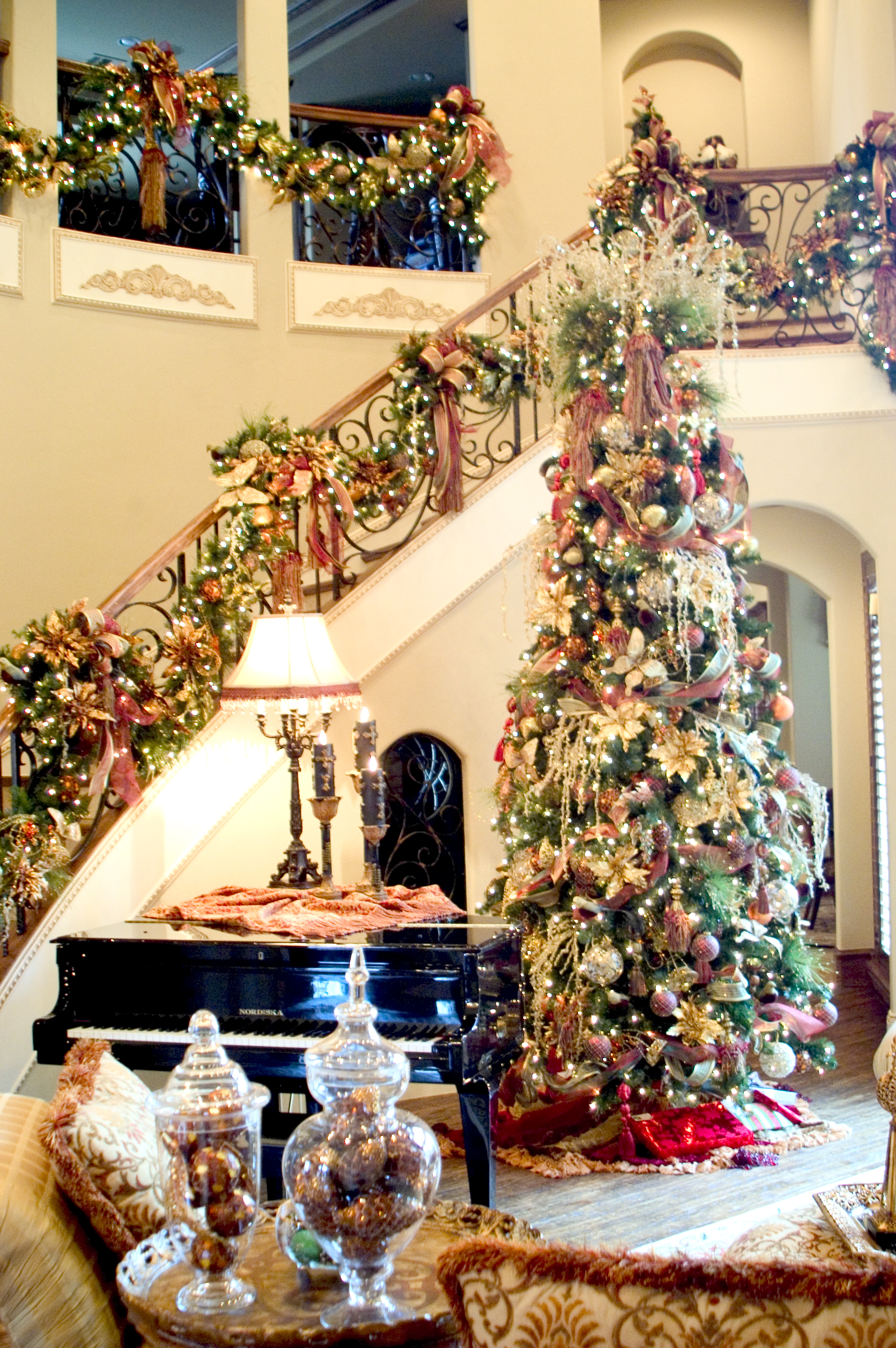 Christmas Interior Design Why Hire A Christmas Decorator For Your Home Or Commercial