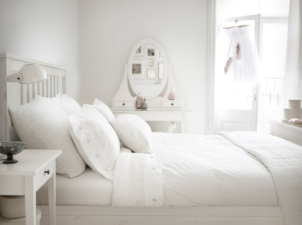 Dormitorio Muebles Blancos Why You Should Invest In A Set Of Ikea White Hemnes