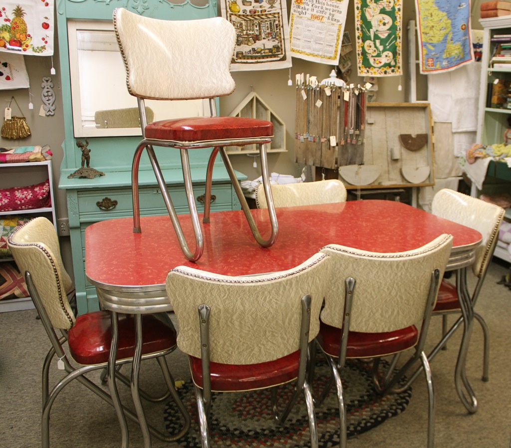 Retro ... & Vintage Kitchen Table And Chairs Set - Castrophotos