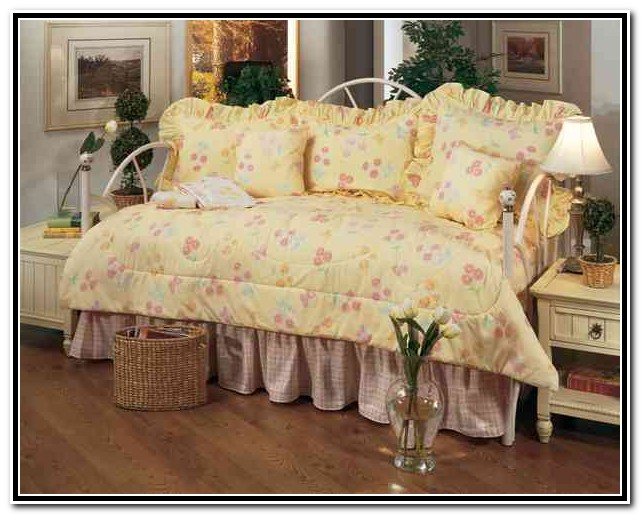 Daybed Bedding Sets. Daybed Bedding Sets With Daybed