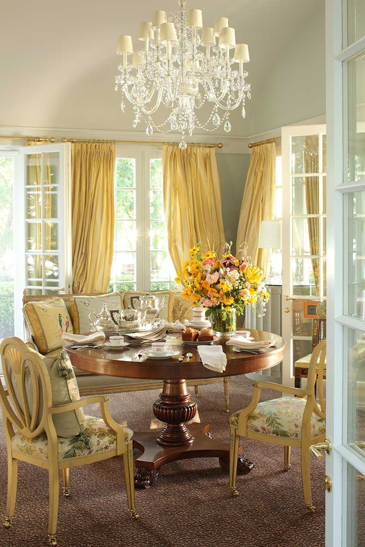 Bubble Chair 23 Elegant Traditional Dining Room Design Ideas | Interior God