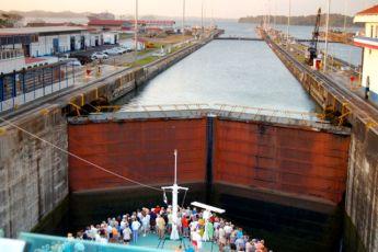 Panama-Canal-3
