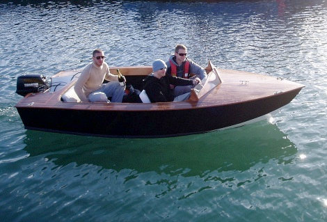 ... and friends build a stitch-and-glue runabout | intheboatshed.net