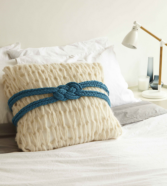 Nautical Cushion Knitting Pattern : Nautical Knot Pillow In the Loop Knitting