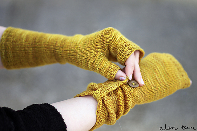 Fingerless Mitts and Gloves Knitting Patterns In the ...