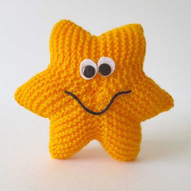 Knitted Star Pattern : Star Knitting Patterns In the Loop Knitting