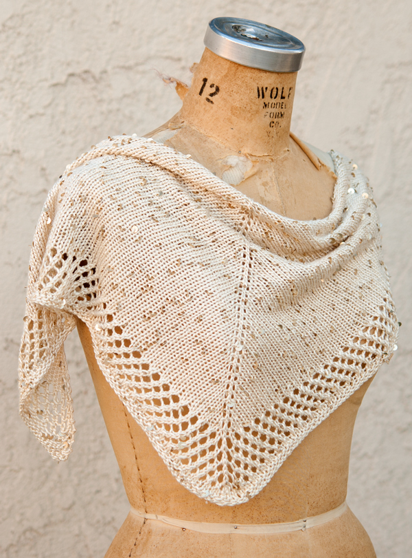 Easy Shawl Knitting Pattern Free : Easy shawl knitting patterns in the loop