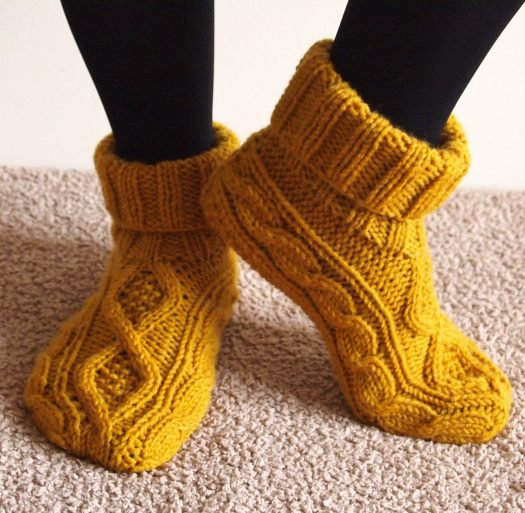 Free Knitting Pattern For Moon Socks : Slipper Socks and Boots Knitting Patterns In the Loop Knitting