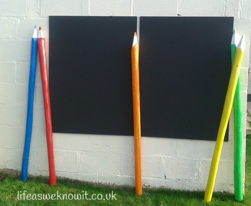 Summer crafts - How to make giant pencils for the garden