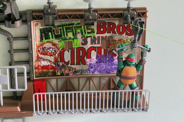 billboard breakout teenage mutant ninja turtles deluxe zline playset