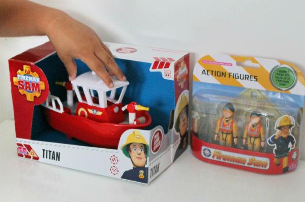 fireman sam titan boat and figures