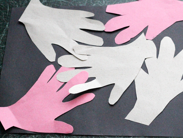 making handprint patterns