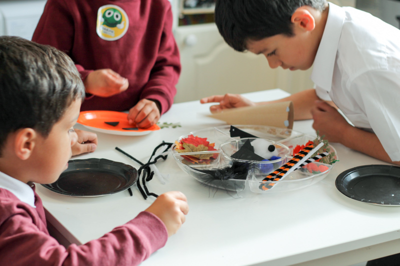 loose parts and paper plate crafting