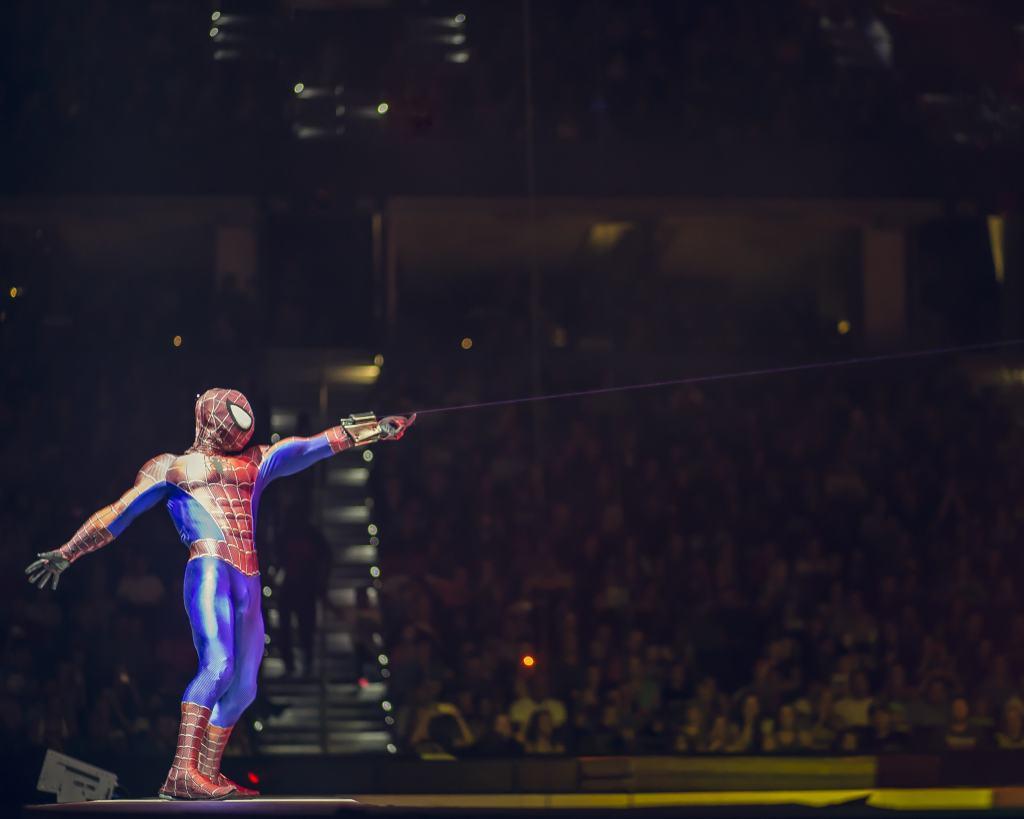 spiderman in marvel universe live
