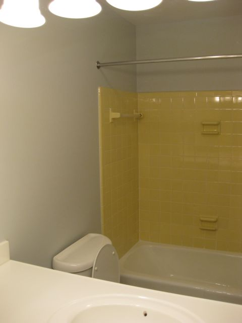 Any Advice Hideous Yellow Bathroom Thenest