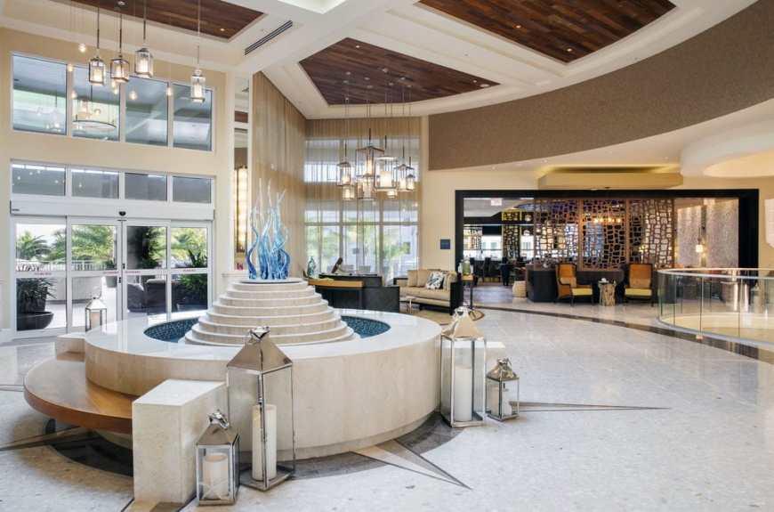 playa-largo-lobby