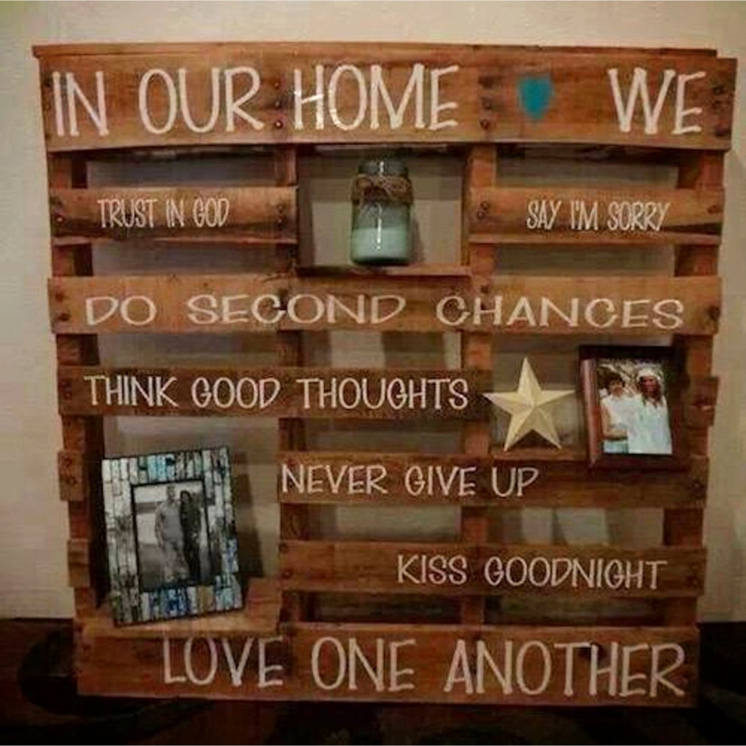 Quadri Con Pallet Pallet Projects 19 43 Clever Crafty And Easy Diy Pallet