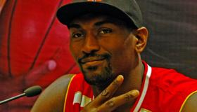 Ron Artest Meets Fans In Wuhan