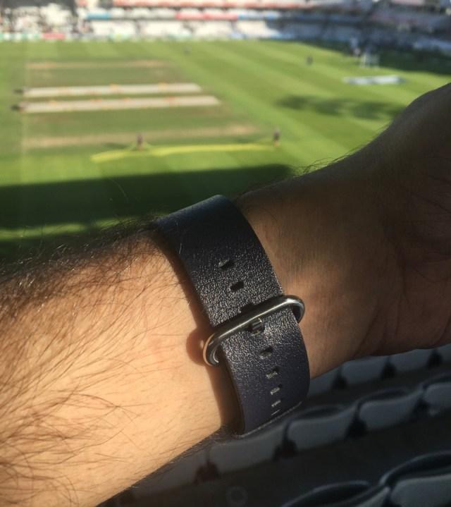 Olixar Apple Watch Strap (1)