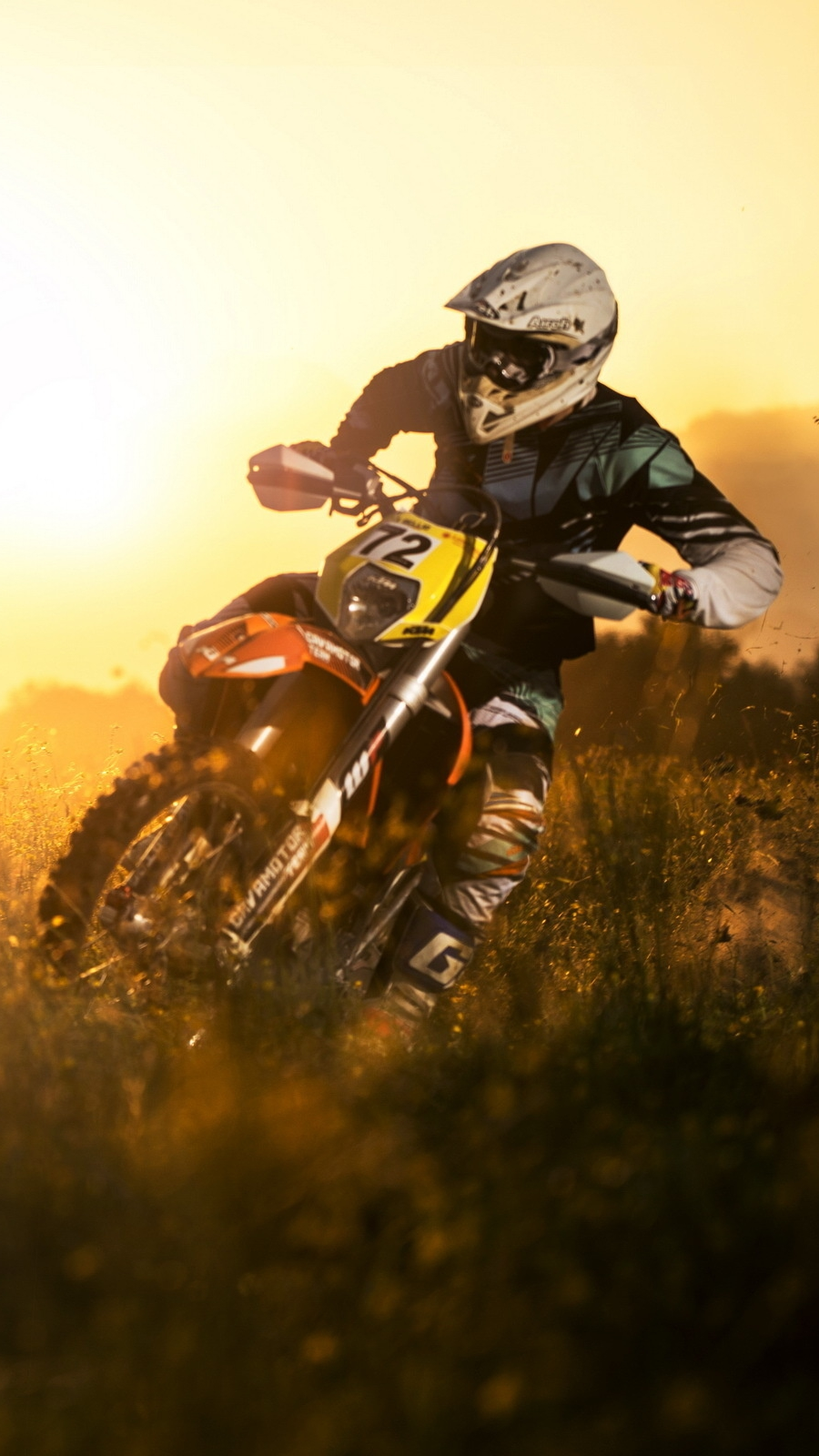 Dirt Bike Wallpaper Girls Dirtbike In Mud Iphone Wallpaper Iphone Wallpapers