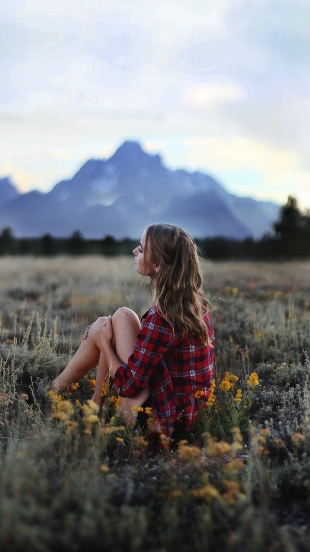 Sunset Wallpapers With Quotes Girl Sitting In Nature Grass Flowers Mountains Iphone