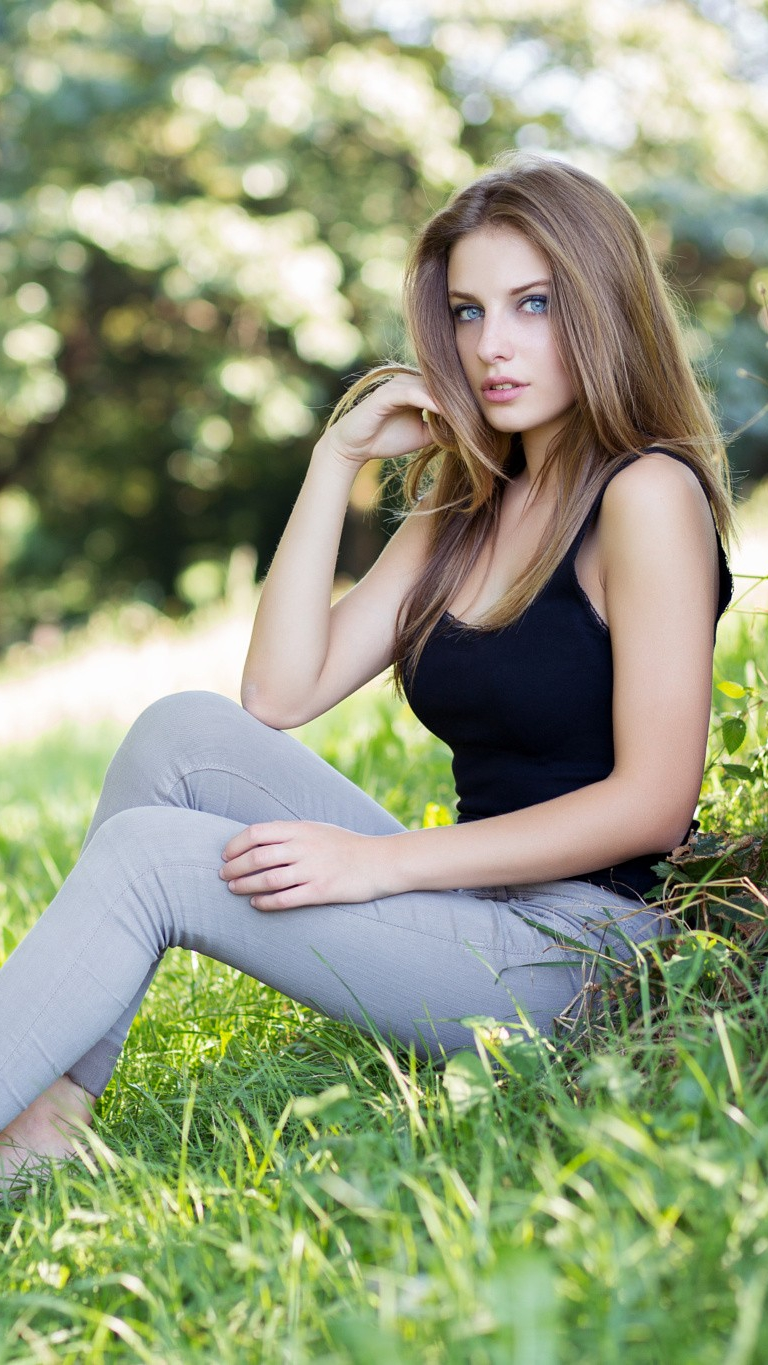 Beautiful Girl With Hat Wallpapers Hot Blue Eyes Girl In Nature Iphone Wallpaper Iphone