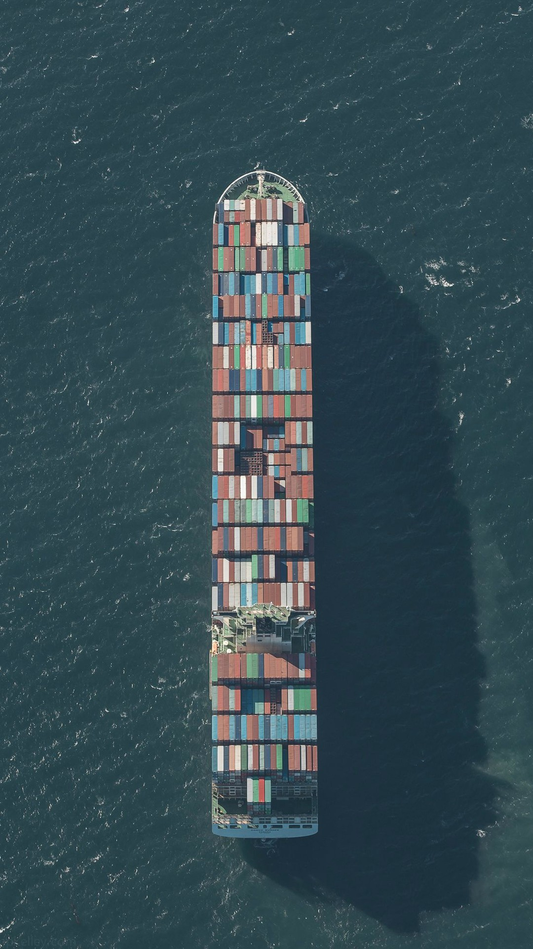 Ios 11 Hd Wallpaper Large Container Ship Minimal Iphone Wallpaper Iphone