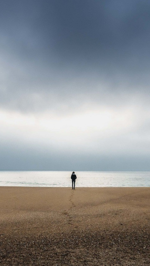 Alone Girl Wallpaper With Quotes Lonely Girl On Beach Photography Iphone Wallpaper Iphone