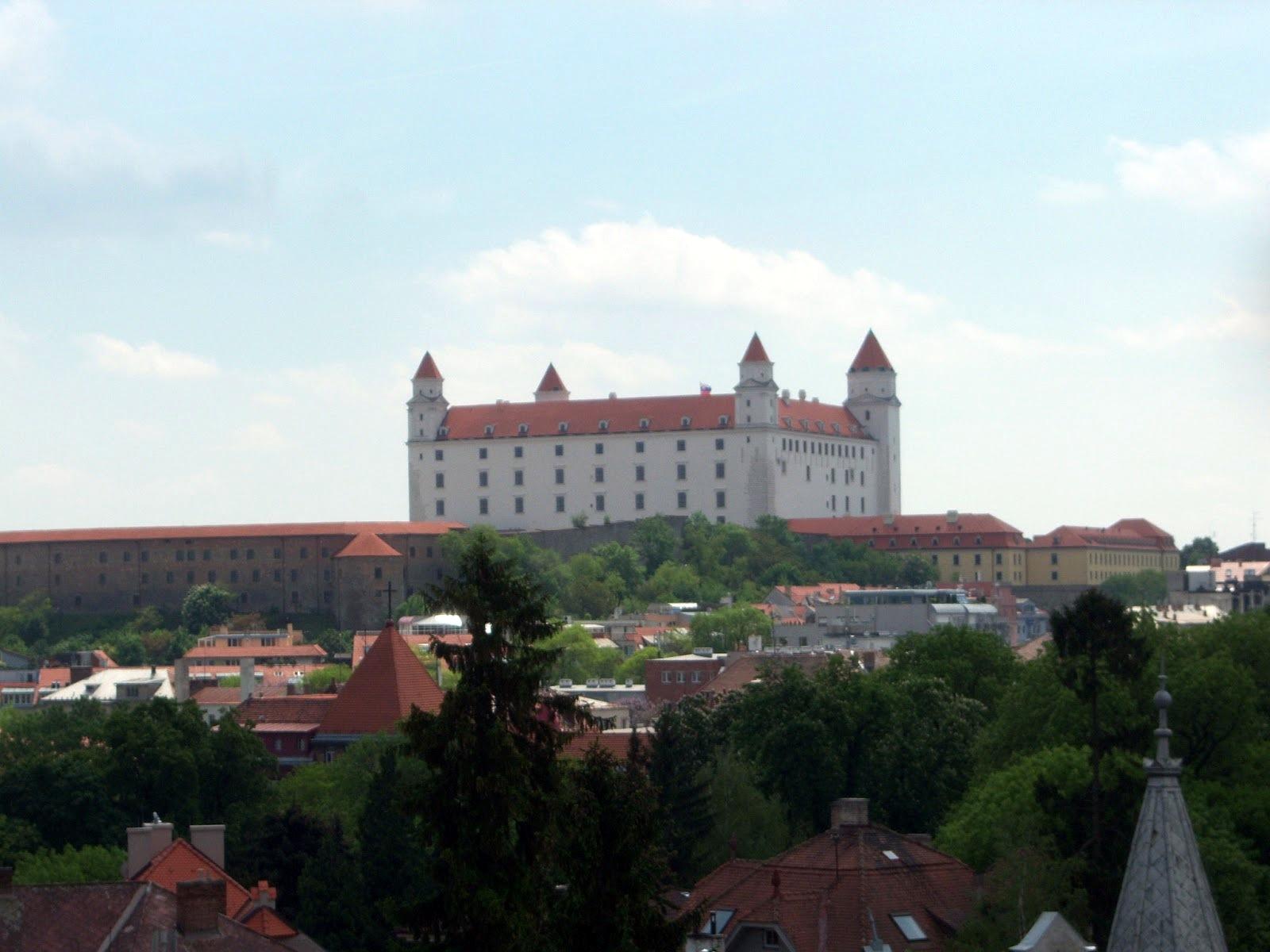 One night in bratislava slovakia i put my life on a shelf for Design hotel 21 bratislava kontakt