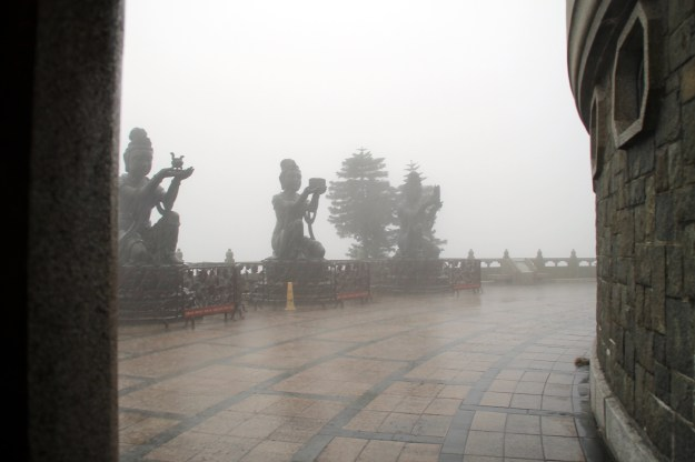 rain storm tian tan buddha