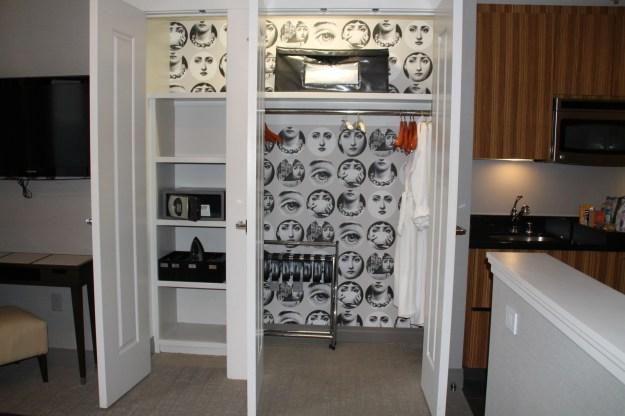cosmopolitan las vegas room closet