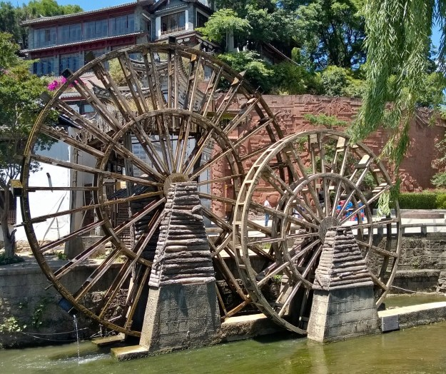 Lijiang China water wheels (2)