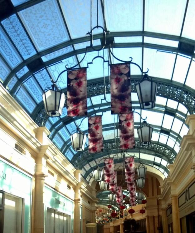 bellagio walkway las vegas