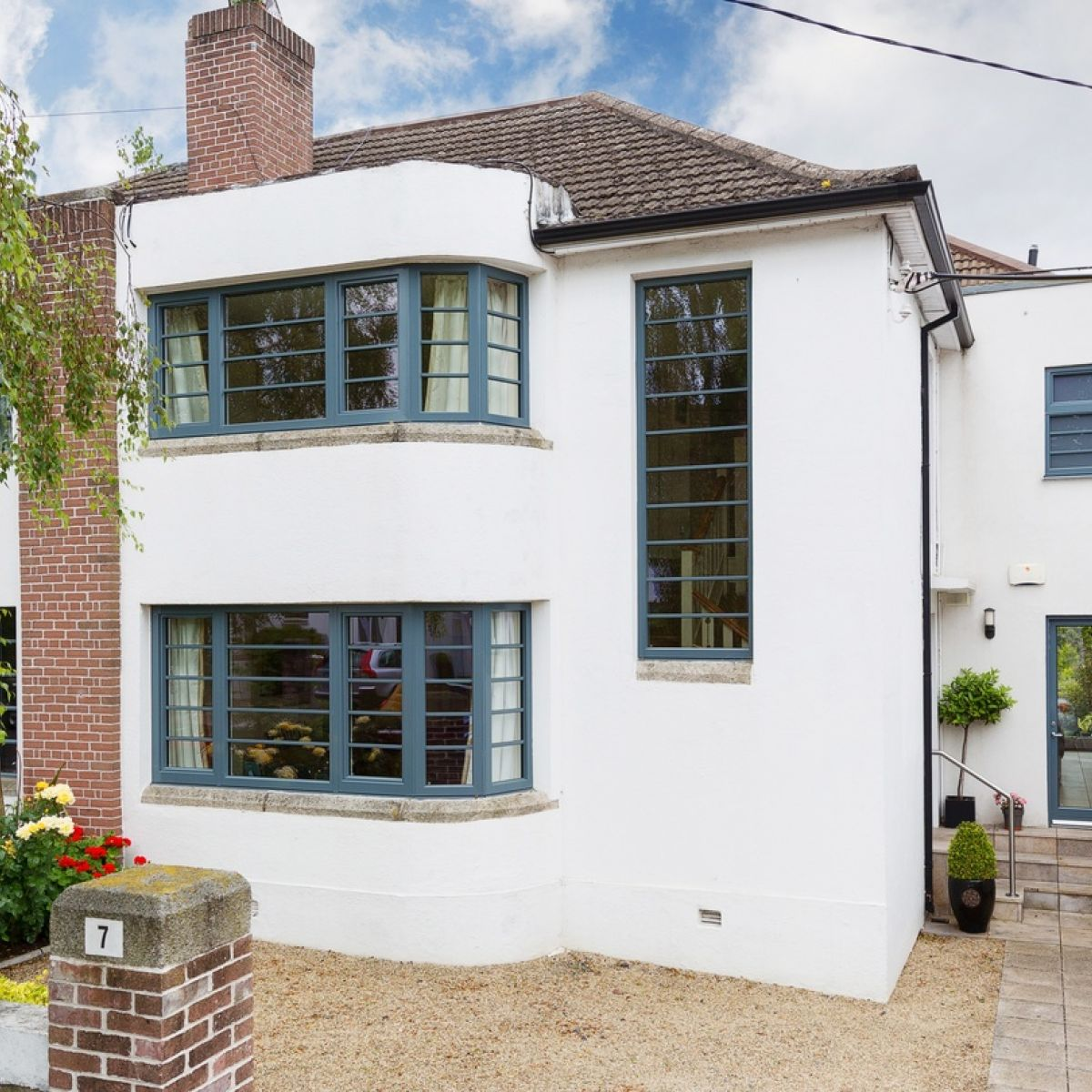 Art Deco Style & Light Art Deco House In Clonskeagh For 1 55m