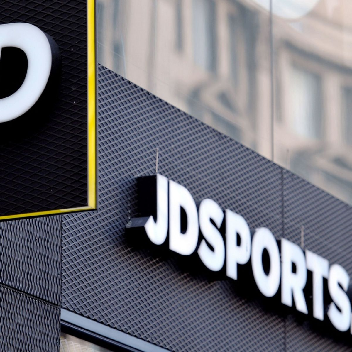 Jd Sports Jd Sports Outpaces Weak Uk High Street With Profit Rise